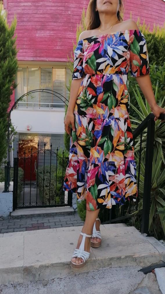 Madonna Yaka Viskon Kumaş Uzun Çiçekli  Elbise