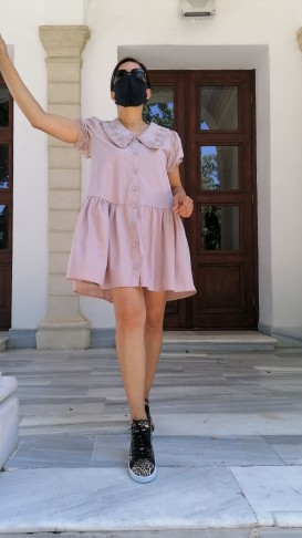 Yakası Nakışlı Önden Düğmeli Kısa Elbise - pudra