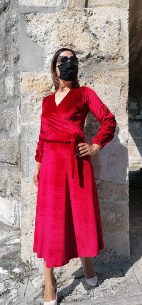 Kolu Büzgülü V Yaka Kadife Elbise - Kırmızı