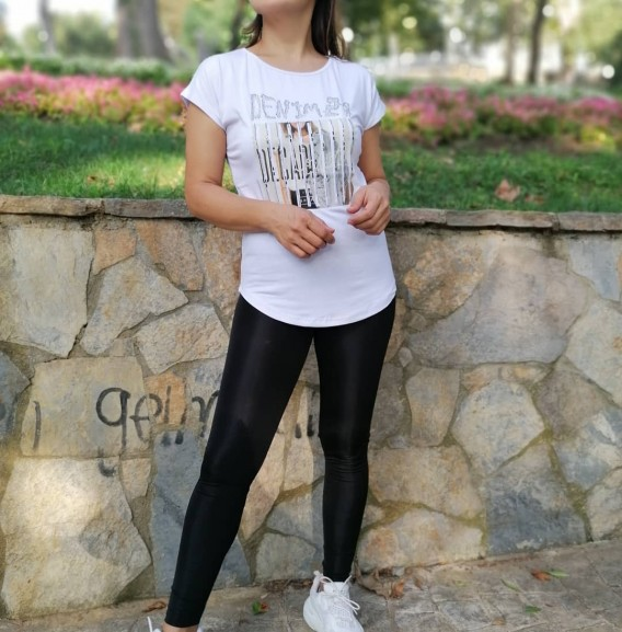 Önü Metal İşlemeli Tshirt - beyaz