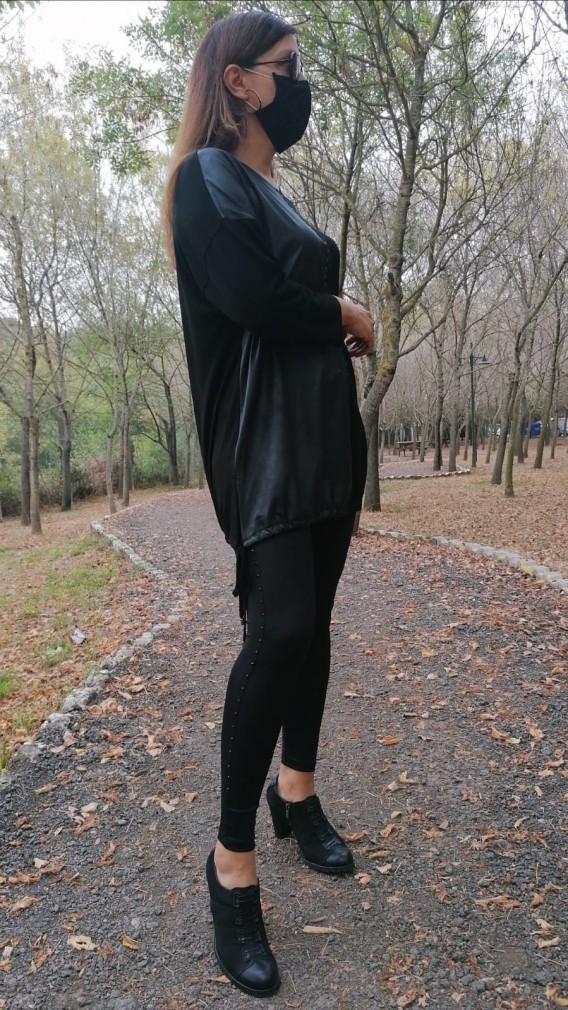 Ön Yarısı deri Detaylı Tunik - Siyah