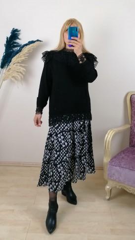 Kolları ve Etekleri Dantelli Bluz - Siyah
