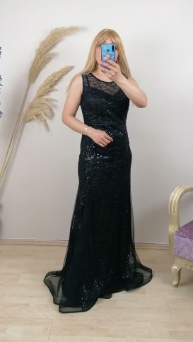 Kolsuz Üzeri Pullu Tül Etek Elbise - Siyah