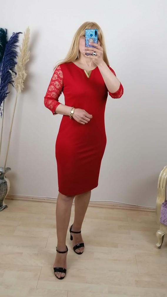 Göğsü V Broşlu Elbise - Kırmızı