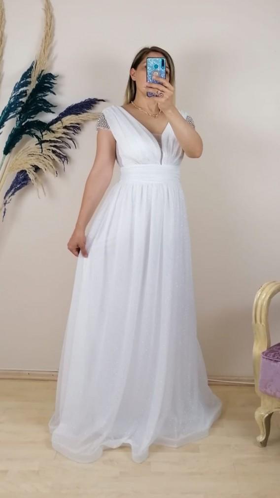 Omuzları Taşlı Büzgülü uzun Elbise - Beyaz