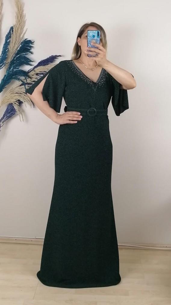 Yakası Taşlı Kemerli Battal Elbise - Zümrüt Yeşil