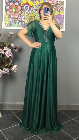 Yakası Taşlı  Simli Uzun Elbise - Zümrüt Yeşil