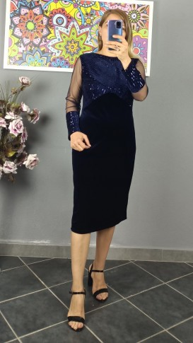 Üzeri Koluçları Pullu Kadife Elbise - Lacivert